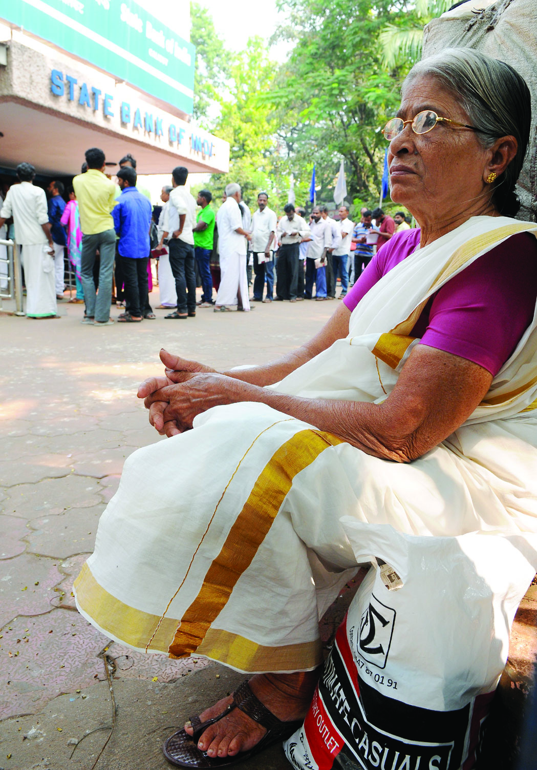 പ്രതിസന്ധി ഒഴിഞ്ഞില്ല: വായ്പ തിരിച്ചടക്കാന് രണ്ടുമാസം