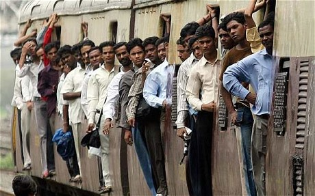 india-workers-on-train