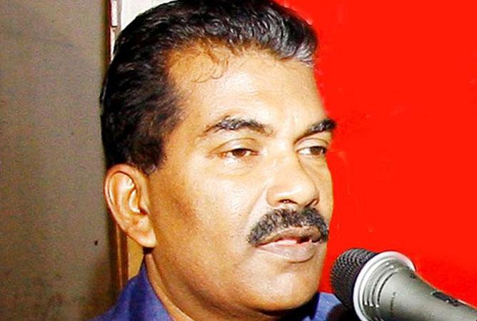 സിഐടിയു എറണാകുളം ജില്ലാ പ്രസിഡന്റിന് കുത്തേറ്റു