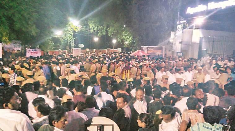 ജയലളിത; കേരളത്തിലും സുരക്ഷ ശക്തമാക്കി, ജാഗ്രത നിര്ദ്ദേശം