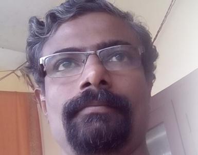 നദീറിനെ അറസ്റ്റ് ചെയ്തതില് പ്രതിഷേധിച്ച് കമല് സി ചവറ നിരാഹാരം തുടങ്ങി