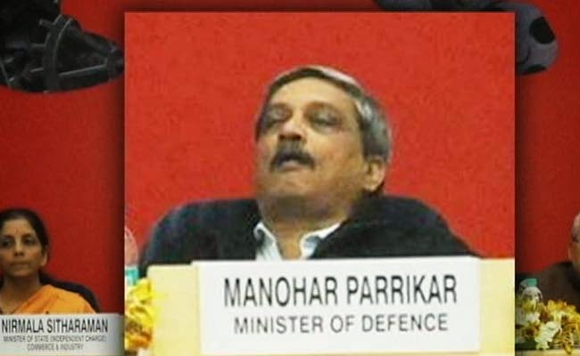 parrikar_sleeping_vi