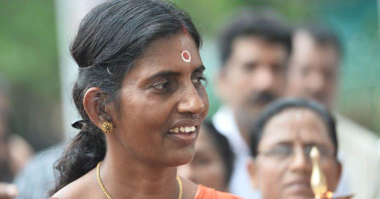 ക്ലാസെടുക്കുന്നില്ല: ശശികലയ്ക്കെതിരെ പരാതിയുമായി വിദ്യാര്ത്ഥികള്
