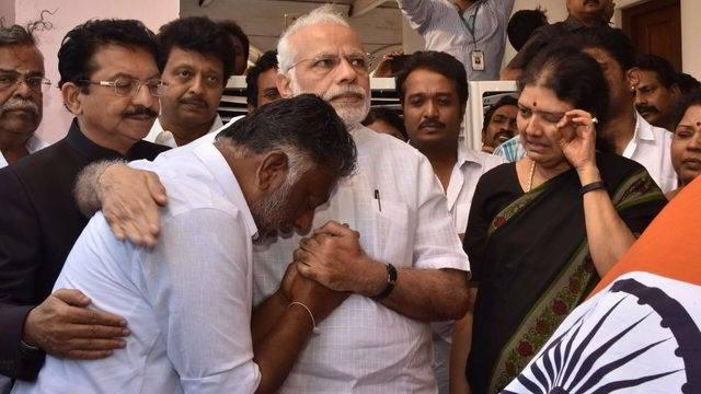 എന്തു കൊണ്ട് ബി.ജെ.പി അണ്ണാഡി.എം.കെയ്ക്കു പിന്നാലെ
