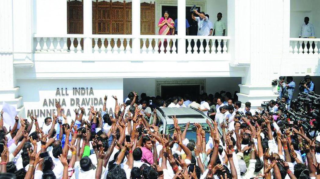 എം.എല്.എമാര് രഹസ്യകേന്ദ്രത്തില്: ജയയുടെ മരണത്തില് ജുഡീഷ്യല് അന്വേഷണം