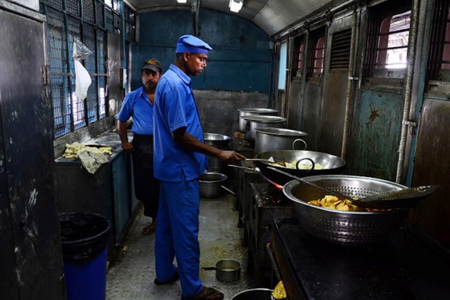 train-food-indian-railway