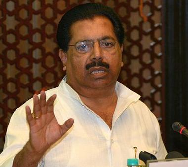 ഡല്ഹിയിലെ പരാജയം: അജയ് മാക്കനു പിന്നാലെ പി.സി ചാക്കോയും രാജിക്കത്ത് നല്കി