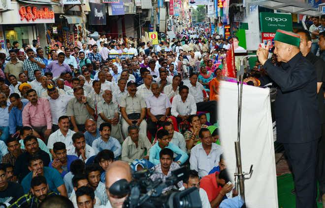 ഹിമാചലിലെ പ്രമുഖ ബി.ജെ.പി നേതാവ് വിനോദ് താക്കൂര് കോണ്ഗ്രസ്സില് ചേര്ന്നു