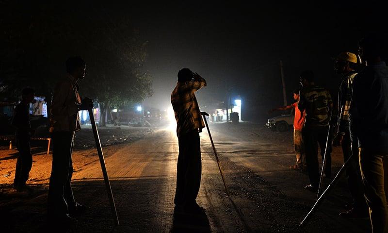 പശുവാല് കയ്യില് സൂക്ഷിച്ചെന്ന് ആരോപണം: കൗമാരക്കാരന് ക്രൂരമര്ദ്ദനം