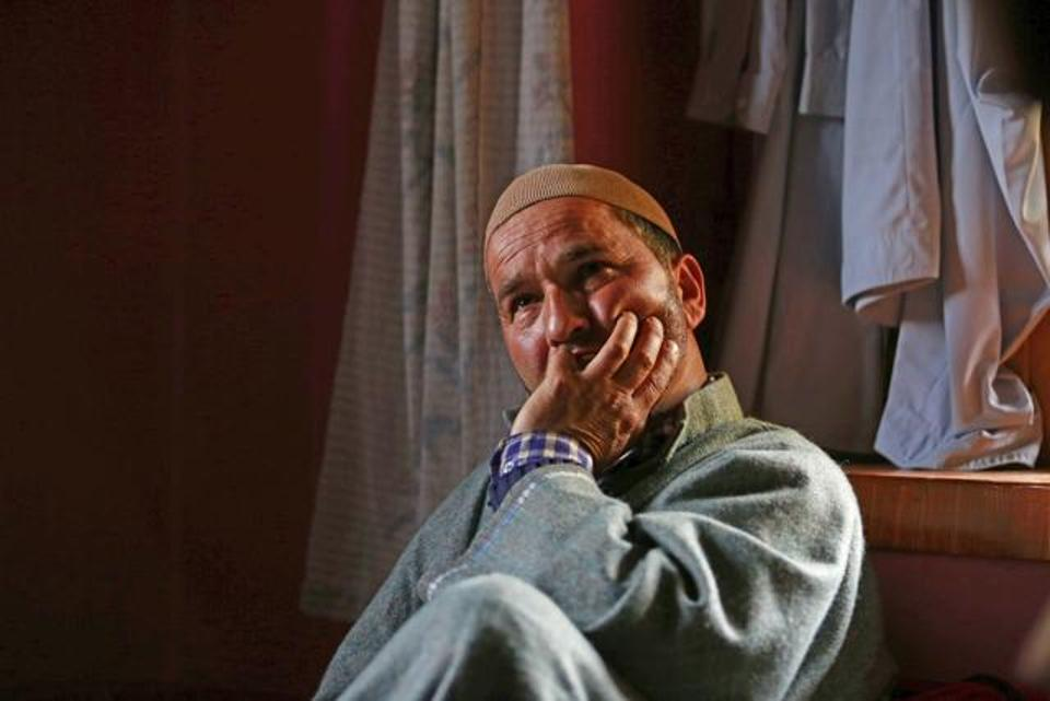 kidnapped-suspected-militants-hindustan-function-srinagar-lieutenant_90e023ba-3592-11e7-b30b-76e7402dac55