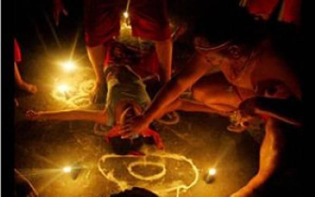 സ്വര്ണത്തിനായി മാതാപിതാക്കള് 15കാരിയെ ബലി നല്കി