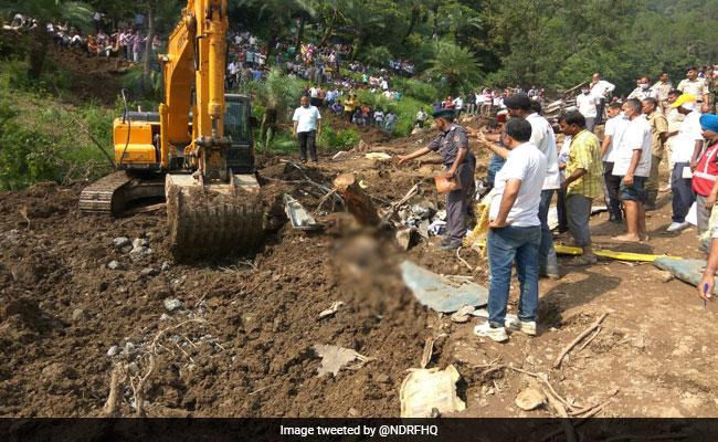ഹിമാചലിലെ ദേശീയ പാതയില് മണ്ണിടിച്ചില്; 46 പേര് കൊല്ലപ്പെട്ടു