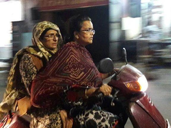 സോഷ്യല് മീഡിയയില് തരംഗമായി കിരണ് ബേദിയുടെ രാത്രി പട്രോളിംഗ്