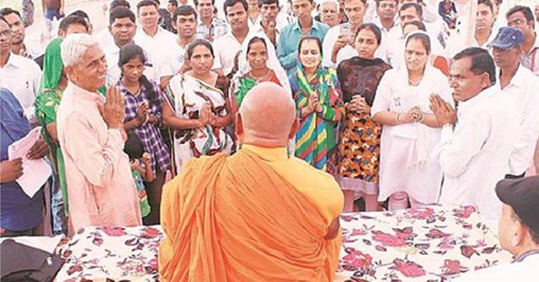 ഗുജറാത്തില് 300 ദളിതുകള് ബുദ്ധമതം സ്വീകരിച്ചു