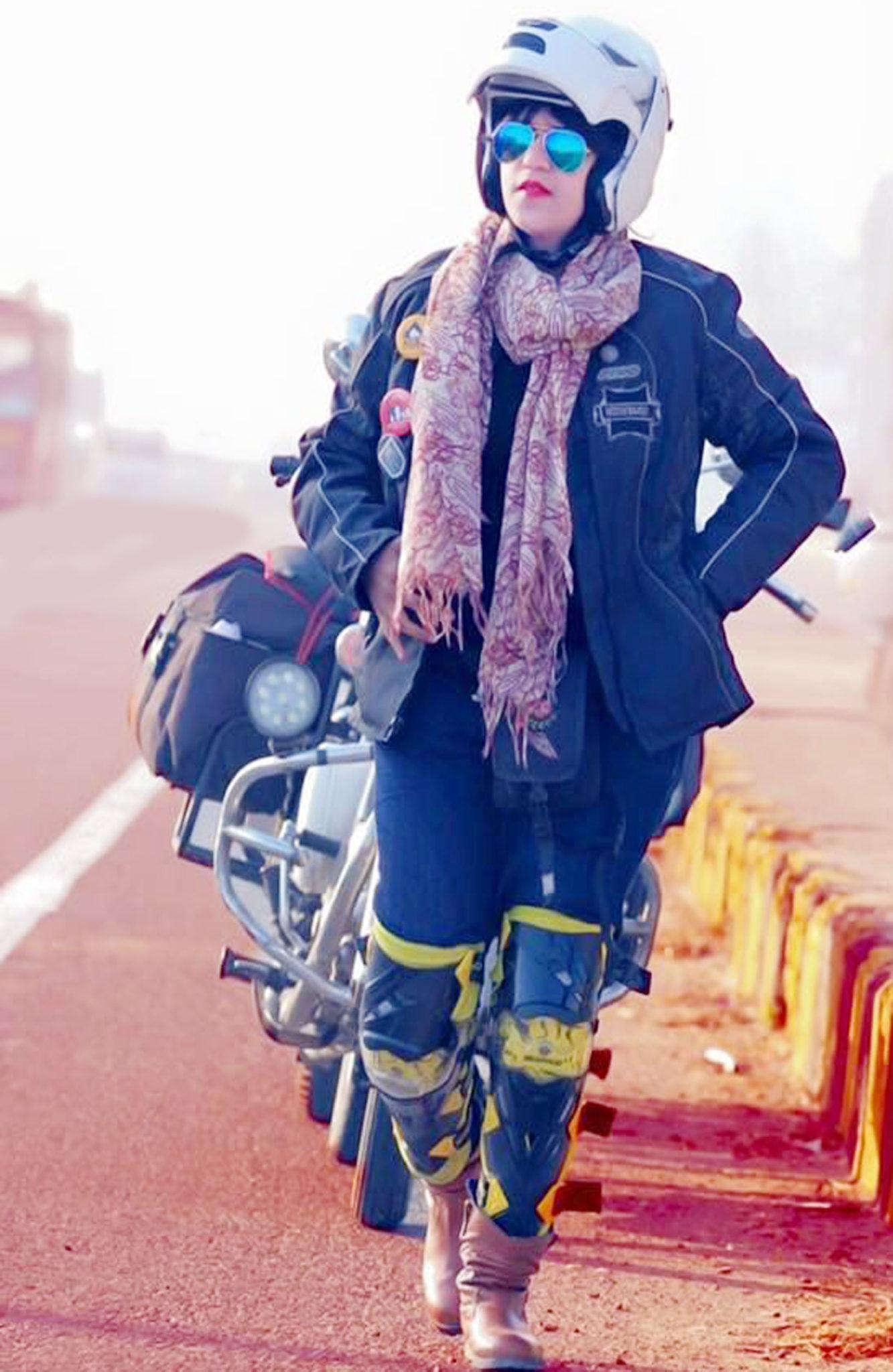 വാഹനാപകടം: ഇന്ത്യ മുഴുവന് ബുള്ളറ്റില് പര്യടനം നടത്തിയ സന ഇഖ്ബാല് മരിച്ചു