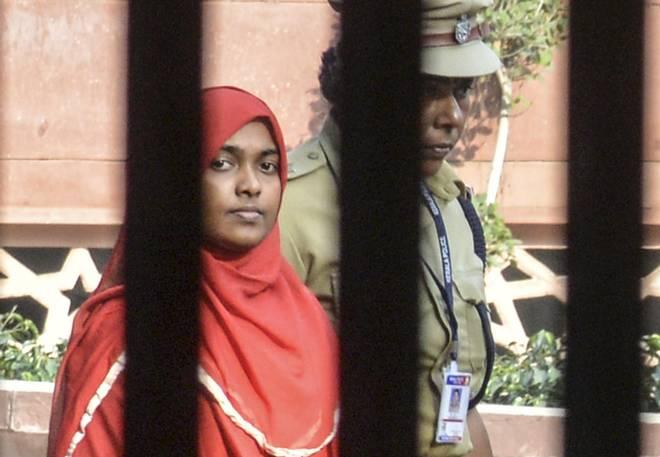 ഷെഫിന് ജഹാന് പ്രിന്സിപ്പലിന്റെ അനുമതിയോടെ ഹാദിയയെ കാണാമെന്ന് കോളജ് എംഡി