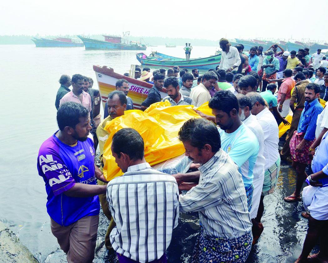 ഓഖി ദേശീയ ദുരന്തമായി പ്രഖ്യാപിക്കില്ല; കേന്ദ്രം