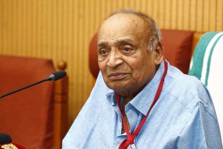 എം.പി.വീരേന്ദ്രകുമാര് രാജ്യസഭാംഗത്വം രാജിവെച്ചു