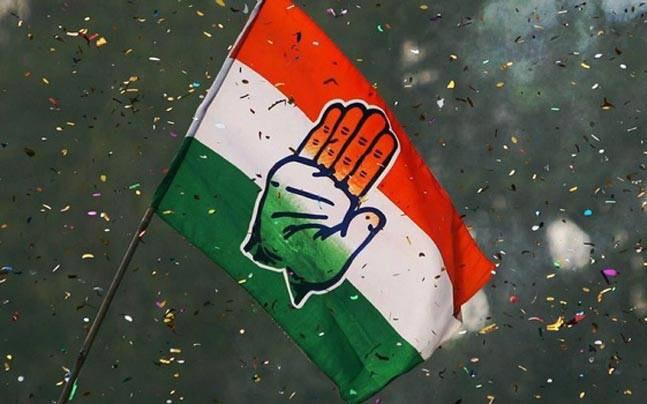 'ബി.ജെ.പി എം.എല്.എമാര് കോണ്ഗ്രസ്സിലേക്ക് വരും'; കര്ണ്ണാടകയില് ബി.ജെ.പിയെ ഞെട്ടിച്ച് കോണ്ഗ്രസ്