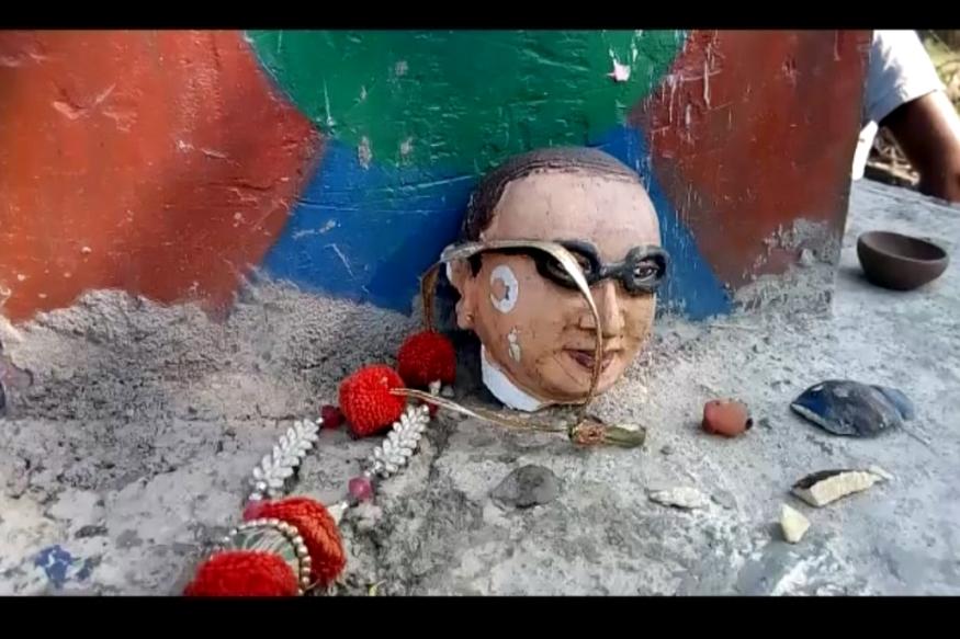 ഉത്തര്പ്രദേശില് അംബേദ്കര് പ്രതിമയും തകര്ത്തു