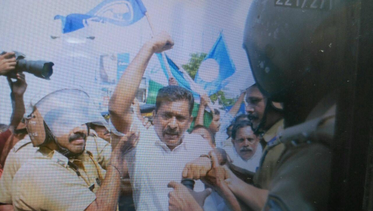 ദലിത് ലീഗ് സംസ്ഥാന പ്രസിഡണ്ട് യു.സി രാമനെ അറസ്റ്റു ചെയ്തു