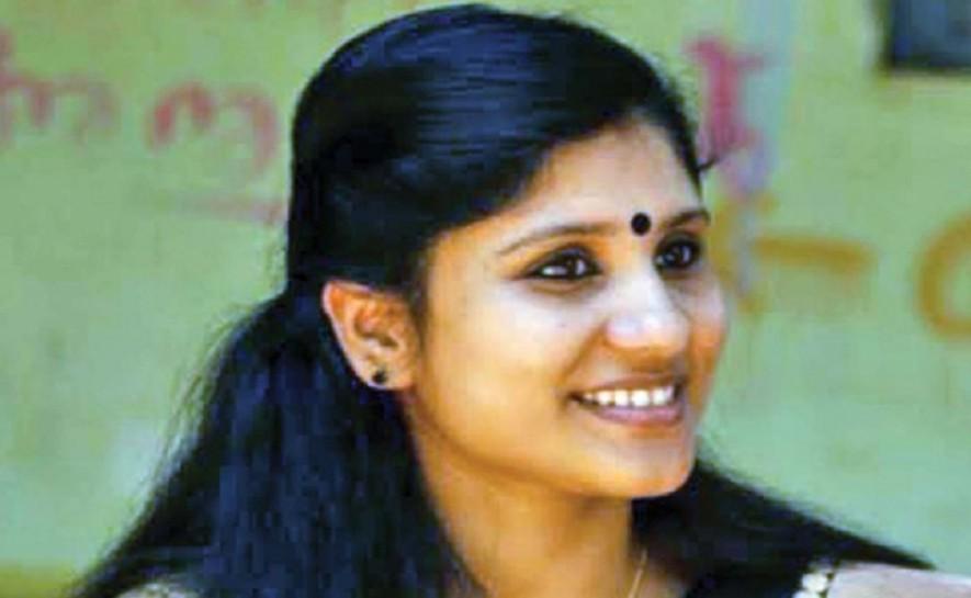 'നിങ്ങളല്ല….ഞാനാണ് ഹിന്ദു': സംഘപരിവാറിനോട് ദീപാ നിശാന്ത്