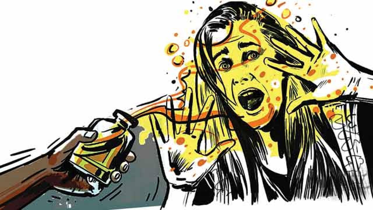 പെണ്കുഞ്ഞിനെ പ്രസവിച്ചതിന് ഭര്ത്താവ് ഭാര്യയുടെ മുഖത്ത് ആസിഡൊഴിച്ചു