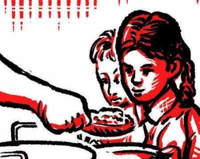 ജി.വിരാജ സ്പോര്ട്സ് സ്കൂളില് ഭക്ഷ്യവിഷബാധ; പുറത്തറിയിക്കാതിരിക്കാന് കുട്ടികളെ പൂട്ടിയിട്ട് അധികൃതര്