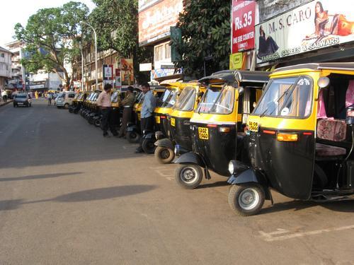 ജൂലായ് നാല് മുതല് സംസ്ഥാനത്ത് ഓട്ടോ-ടാക്സി പണിമുടക്ക്