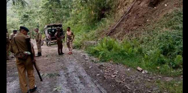 നാഗാ തീവ്രവാദികളുടെ ആക്രമണത്തില് നാല് ജവാന്മാര് കൊല്ലപ്പെട്ടു