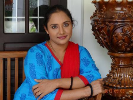 സംവിധായകന് അയാളാണെങ്കില് 'ഉപ്പും മുളകില്' തുടരില്ലെന്ന് നിഷ സാരംഗി