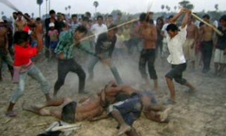 ഗുജറാത്തില് ആള്ക്കൂട്ട ആക്രമണത്തില് ഒരാള് കൊല്ലപ്പെട്ടു