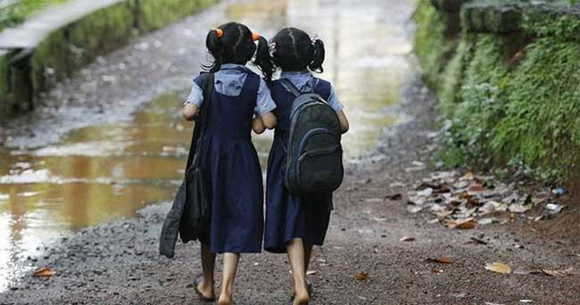 ആലപ്പുഴ, കണ്ണൂര്, പത്തനംത്തിട്ട ജില്ലകളിലെ സ്കൂളുകള്ക്ക് ഇന്ന് അവധി