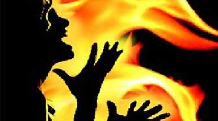രണ്ട് സഹപാഠികള് ഒരേ പെണ്കുട്ടിയെ പ്രണയിച്ചു; പിന്നീട് സംഭവിച്ചത്