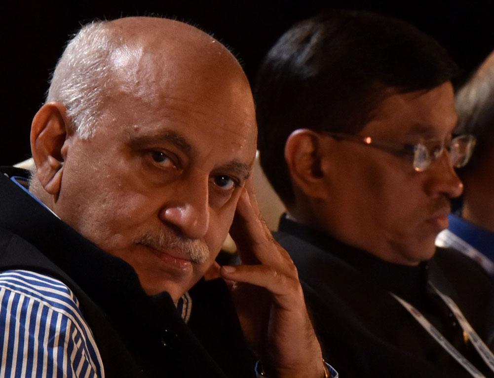 കേന്ദ്രമന്ത്രി എം.ജെ അക്ബറിനെതിരെ കൂടുതല് ലൈംഗിക അതിക്രമ വെളിപ്പെടുത്തലുകള്