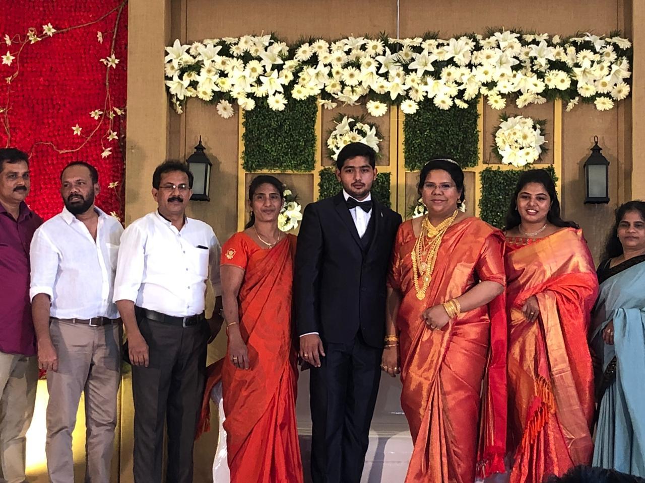 15 കോടി മോഹിച്ച് 25 കാരന് 48കാരിയെ വിവാഹം ചെയ്തെന്നു വ്യാജപ്രചാരണം; ദമ്പതികള് നിയമനടപടിക്ക്