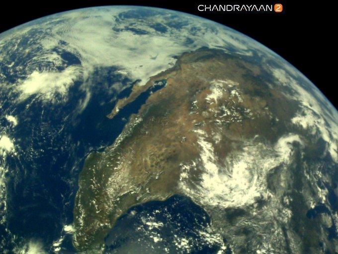 ചന്ദ്രയാന് 2 എടുത്ത ആദ്യ ഫോട്ടോകള് ഐഎസ്ആര്ഒ പുറത്തുവിട്ടു